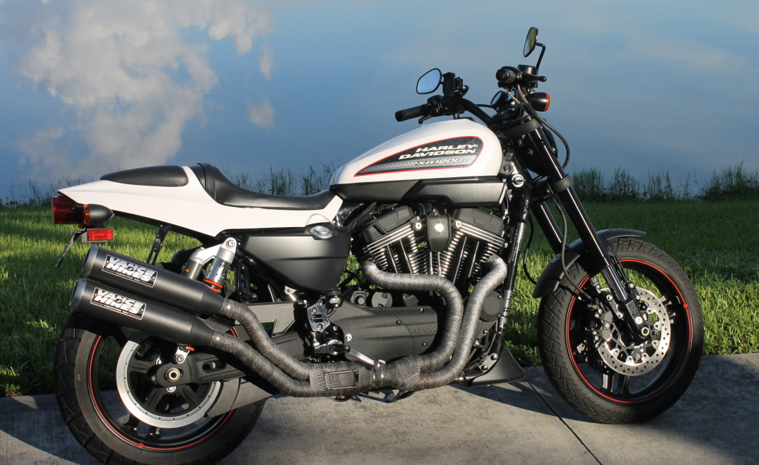 XR1200 SPOTRSTERS 005