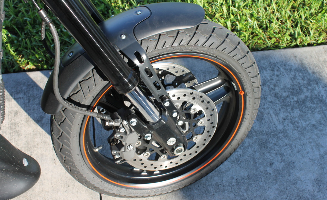 XR1200 SPOTRSTERS 016