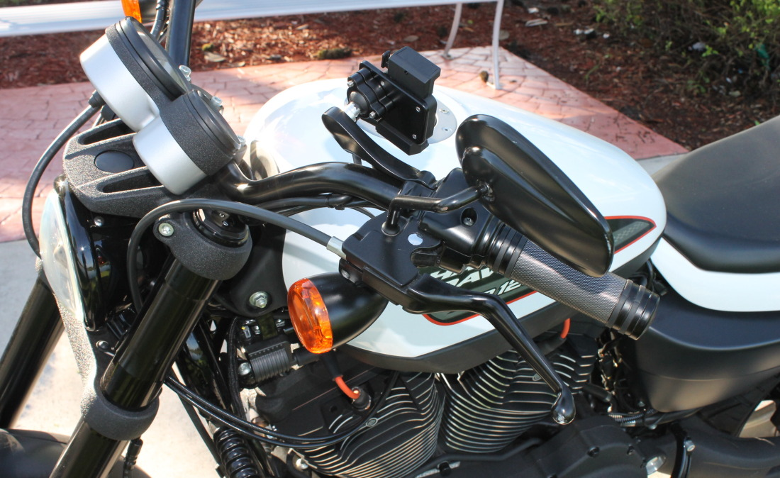 XR1200 SPOTRSTERS 033