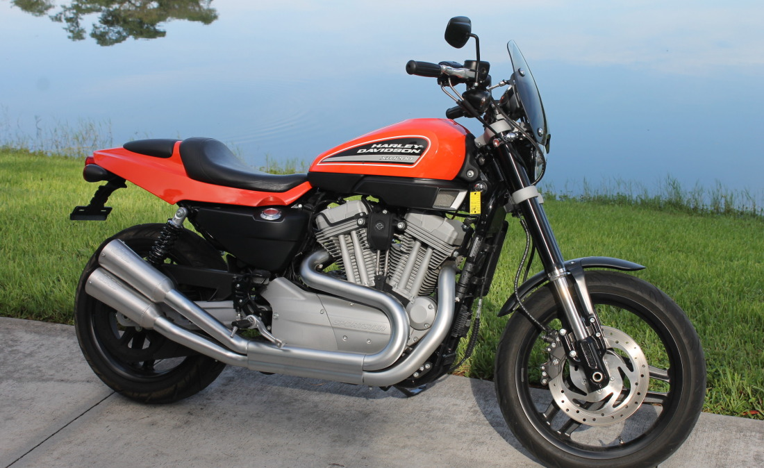 XR1200 SPOTRSTERS 040