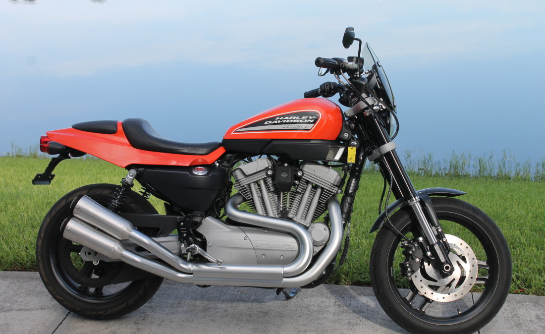 XR1200 SPOTRSTERS 041