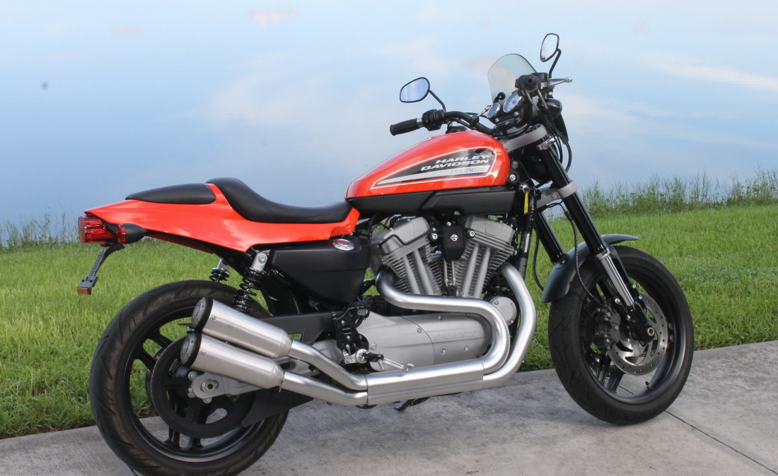 XR1200 SPOTRSTERS 042