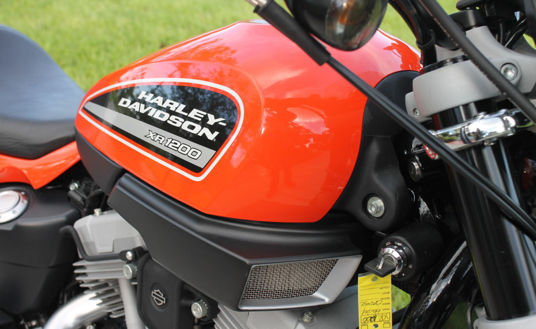 XR1200 SPOTRSTERS 054
