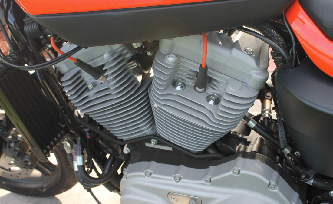 XR1200 SPOTRSTERS 065