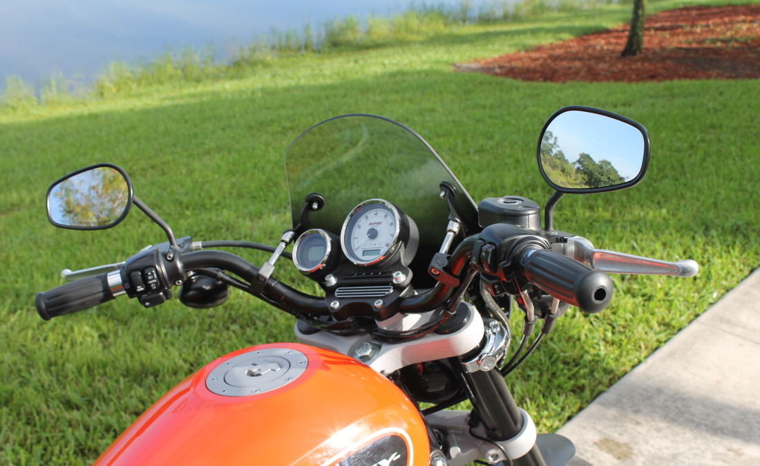 XR1200 SPOTRSTERS 073