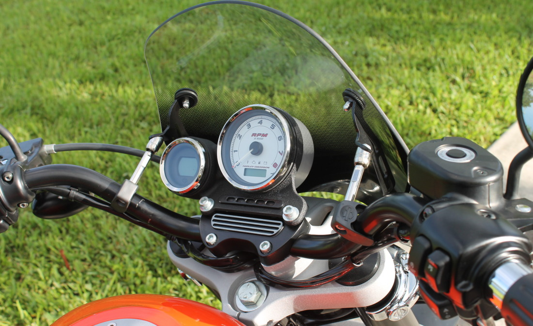 XR1200 SPOTRSTERS 074